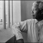 Conocé el texto que ayudó a Nelson Mandela a soportar los 27 años que sufrió de cautiverio