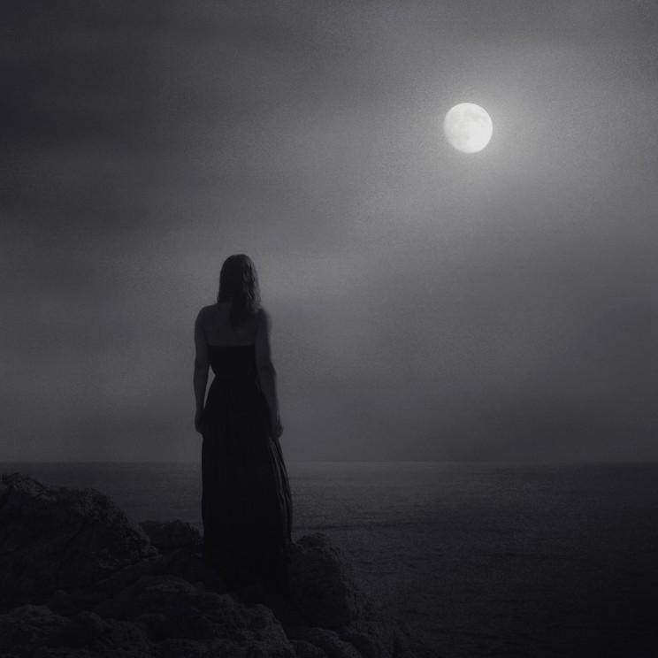 Mi Luna Extranjera (1)