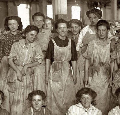 mill-girls-cotton-mill-1908