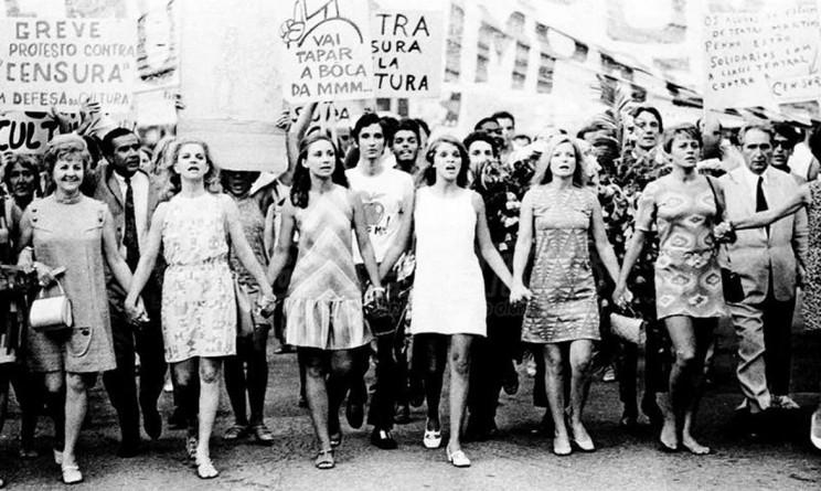 mujeres-marcha