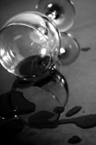vino-tinto-derramado